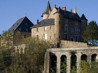 Gîte de luxe dans château, confort 4 pers montagne ski, nature, golf, thermes