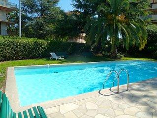 2 pieces standing à 150M de la mer avec terrasse et piscine