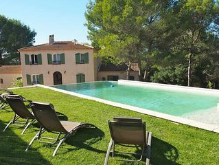 family country house, pool + Jacuzzi: relaxation & comfort 7min Aix en Provence