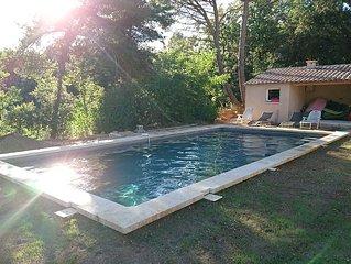Appartement T2 avec accès à la piscine familiale dans le Luberon .