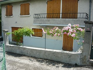 f1 charming comfortable and quiet residential area