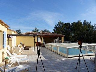 Villa de plain pied avec piscine dans village Gorges du Gardon  Pont du Gard