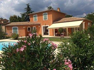 belle villa climatisee  sur montauroux avec grande piscine proche  de cannes