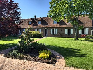 Character of Normandy longhouse near Paris, with Spa and gym