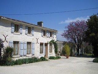 Gîte Ecureuil,  Saint James, Port d Envaux, Nr. Saintes