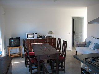 appartement neuf campagne aixoise, dans villa devant la montagne Sainte Victoire