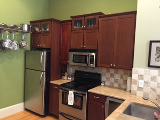 Location Location Location - Center City Condo/ Sleeps 4