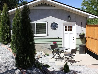 1 BEDROOM FULLY FURNISHED SELF CONTAINED, AIR CONDITIONED  COTTAGE- sleeps 4