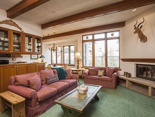 Vail Village Plaza Lodge premier location - 2 bedroom/2 bath