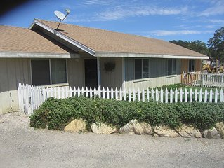 The Farmhouse - 2 Bedroom Wine Country Rental