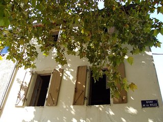 Charming Newly Renovated River-Front 3 Bedroom House In Quillan