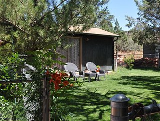 Charming Cabin, In The Heart Of  Red Rock Country, Idyllic Tranquil Setting,