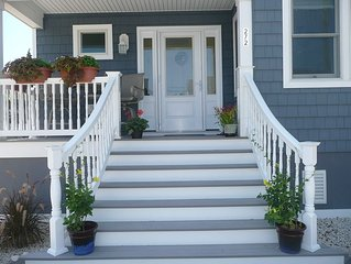 NEW LBI Home sleeps 10, 2 blocks from beach and bay - gourmet kitchen 4 BDR 3 Ba