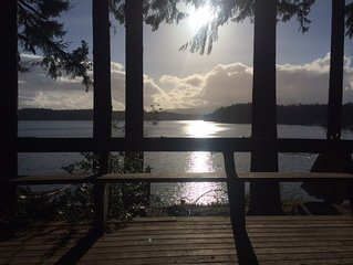 2+ Br, 1 Ba 100' Waterfront Cottage steps to private beach on Puget Sound slps 6
