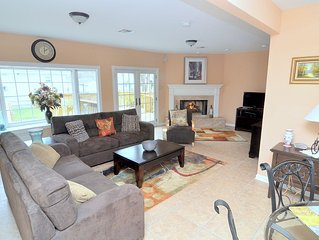 4 BEDROOMS, 3 FULL BATHS, DECK, FIREPLACE AND 2900 SW FT. -  Lic. # 17STR-08