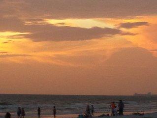 Minutes to Beaches!!