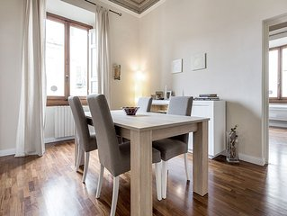 Elegant And Bright Apartment In Center Of Florence