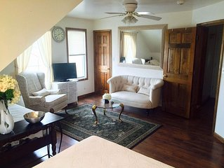 Apartment with private Entrance located at Wye Branch Manor House