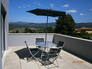 Modern home within walking distance of Caminha. short distance to Ocean.