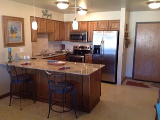 Grand Lake Shangri La Golf And Lake Getaway. Newly Remodeled 2 Bed/bath Condo