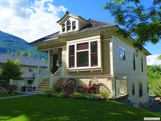 Kaslo House Vacation Lodging:   centraly located in the village of Kaslo