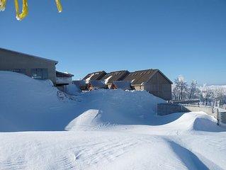 Beautiful Powder Ridge Resort (Ski in / Ski Out) Best Value In Utah!