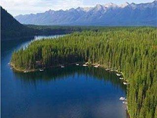 Log home on one of Montana's most pristine lakes, Lindbergh Lake.
