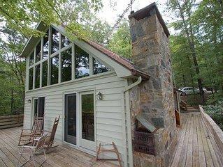 Beautiful 3 Br Pet Friendly Mountain Home- Sleeps 7