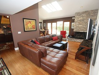 Cool & Sophisticated Single Level Home! With Pool!