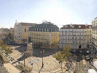 Chiado Apartments - Modern Central Apartment in Historic Lisbon