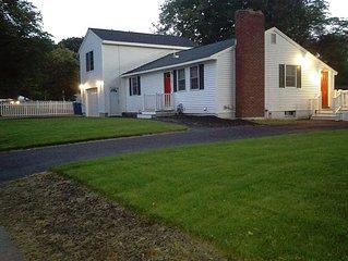 TEWKSBURY, MA - RANCH HOUSE WITH GARAGE, 3 BEDS, 2 FULL BATHS  - 5 day minimum