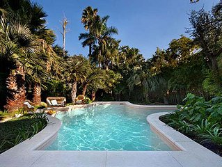 Perfect Hidden Verdant Liberty Style Villa - Pool - AC - WiFi - Washer - Screens