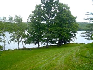 Gorgeous lake house, minutes to Woodstock