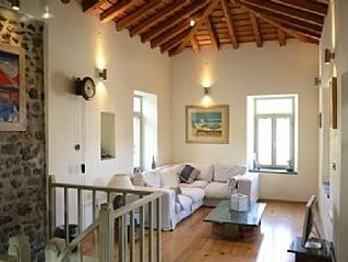 Renovated Stone Cottage With Walled Garden And Charming First-Floor Terrace With