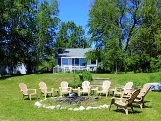 Somewhere In Time Cottage, cozy beachfront cottage on Pickerel Lake