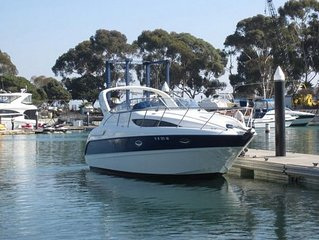 32' Bayliner Yacht  / Boat For Day Trips
