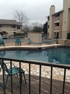 1 BEDROOM/1 BATH condo just off the square in Downtown San Marcos