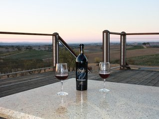 Amazing sunsets in the heart of wine country! Just minutes to Paso Robles