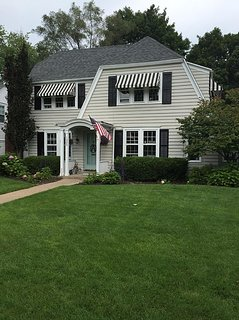 Family Friendly Home On Quiet Street 1.5 Miles From Notre Dame.   Welcome Home!!
