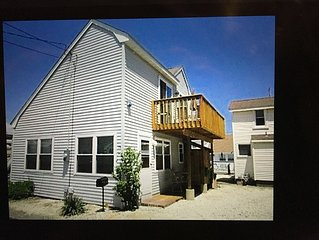 Beach Block! 3 BR, 1.5 bath, sleeps 8