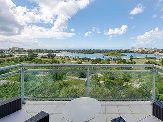 Ocean & Lagoon Views Luxury Condo