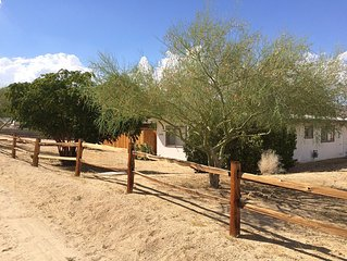Joshua Tree Downtown Duplex - Private And Super Clean - Sleeps Up To 2 Guests