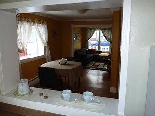 3 Bedroom Townhouse In Quiet Downtown Neighbourhood