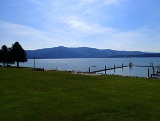 Perfect Summer & Fall Condo Rental, Easy living on the LAKE!!