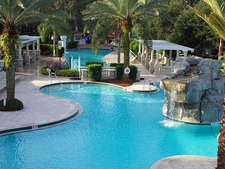 *LARGE 3BR/Sleeps 8* STAR ISLAND RESORT ONLY 4 MILES TO DISNEY! ON LAKE CECILE!