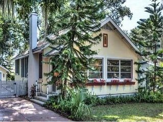 Charming in Town Mount Dora Bungalow