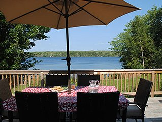 Lakefront Retreat With Sandy Beach, Perfect For Kids
