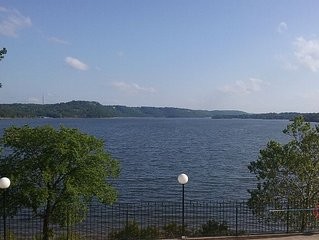 Table Rock Lake View Condo - 2  Night Minimum -  Call For Full Week Discount