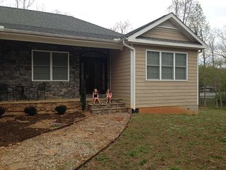 5-bedroom home on the SWQuad of Lake Gaston, Six Pound Creek, Wills Landing