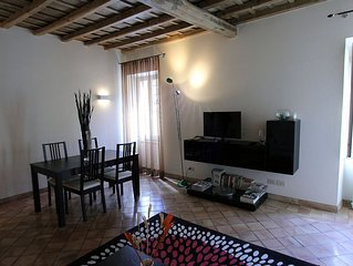 A wonderful 1 Bedroom flat in Roman Ghetto